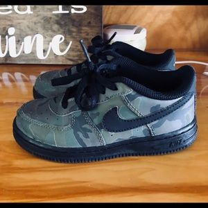 Kids camo Nike Air Force ones